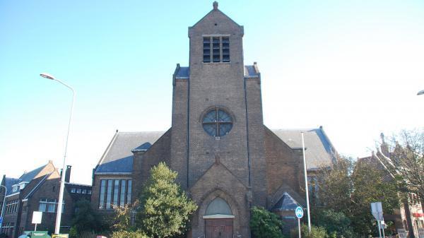 24 d073e7a8c6 Theresia van Lisieuxkerk 1
