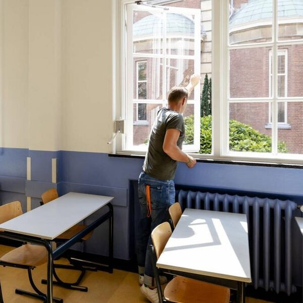 Ventilatie scholen niet altijd op orde, 360 miljoen voor aanpassingen