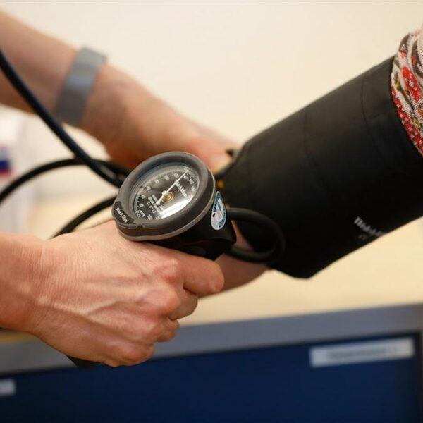 Oproep Hartstichting: 'Meet je bloeddruk minimaal één keer per jaar'