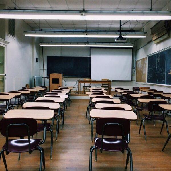 Redteam pleit voor tijdelijke sluiting scholen