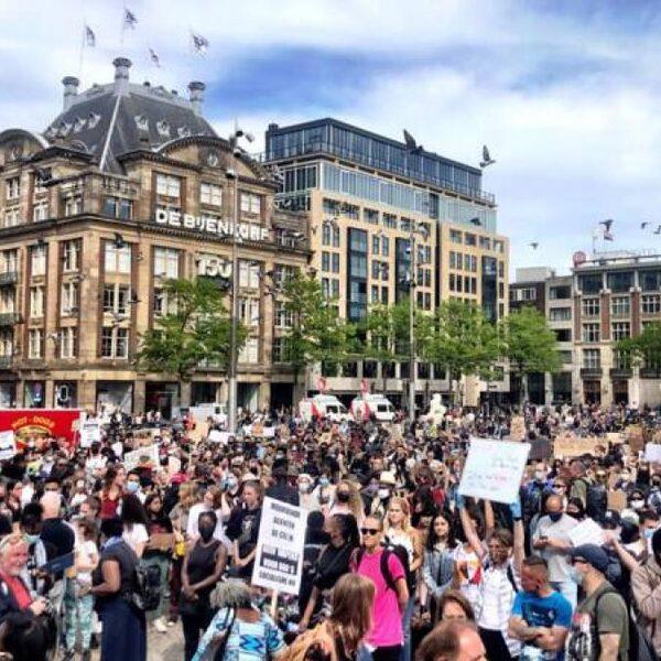 Protest op de Dam in Amsterdam na dood George Floyd