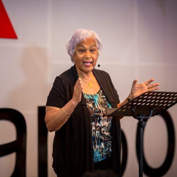 Cynthia McLeod: 'Er is maar één ras, het menselijk ras'