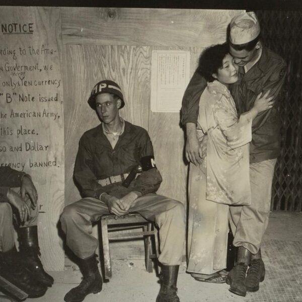 Ongecensureerde foto's laten andere kant van de Landing op Iwo Jima zien
