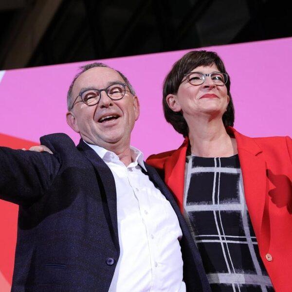 Nieuwe SPD-partijleiders zijn bijzonder kritisch op eigen coalitie