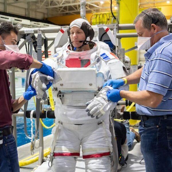 'Binnen 50 tot 100 jaar naar de ruimte isreëel': 5 vragen overcommerciële ruimtereizen