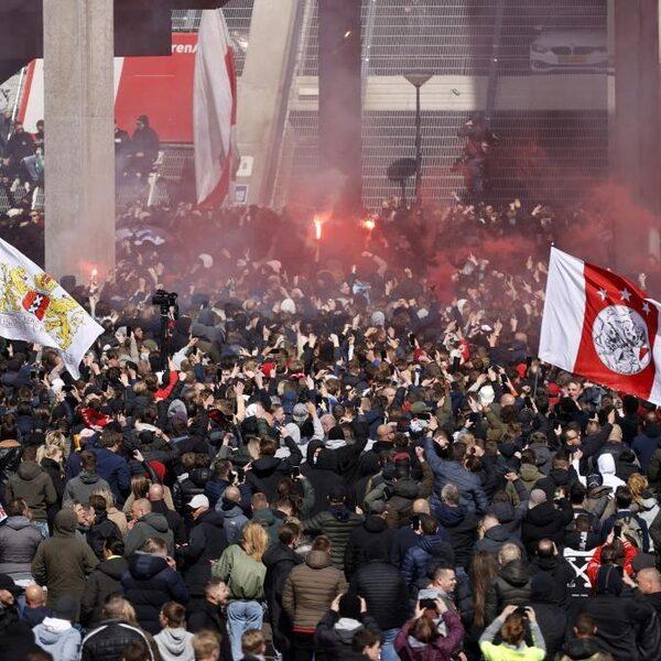 Ajax pakt 35e landstitel, Amsterdamse binnenstad relatief rustig