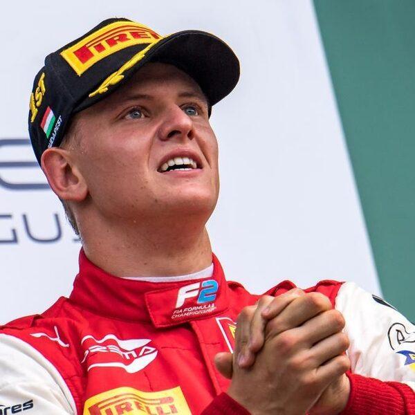 Zoon Schumacher debuteert in Formule 1: 'Hij gaat veel brengen, ook als hij niet wint'