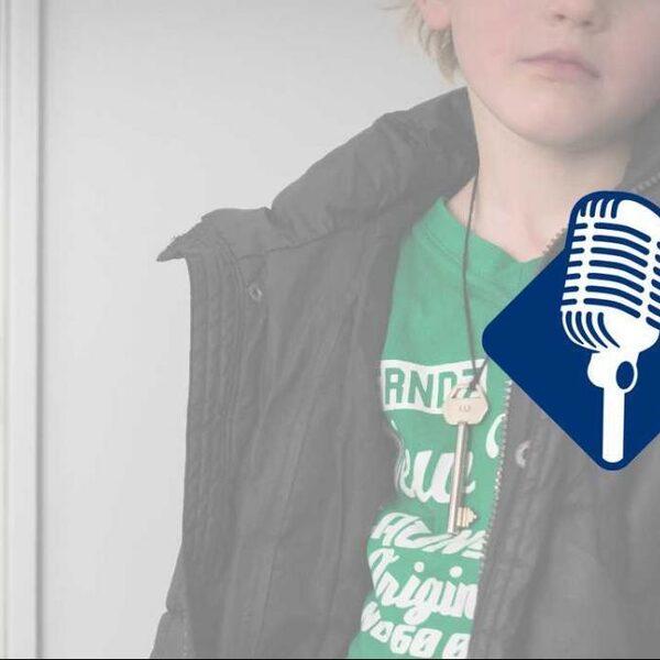 Podcast De Dag: Wat maak je als pleeggezin allemaal mee?