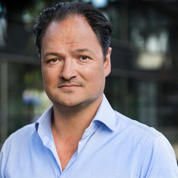 Cabaretier Jeroen Woe maakt met album 'een nieuwe stap in zijn carrière'