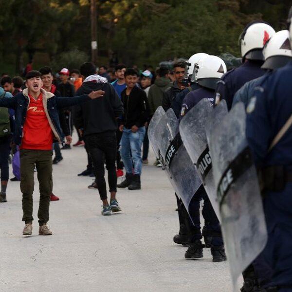 Vluchtelingen Lesbos aan lot overgelaten: 'Uitbraak corona kwestie van tijd'