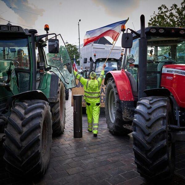 Boeren protesteren tegen nieuw veevoerplan