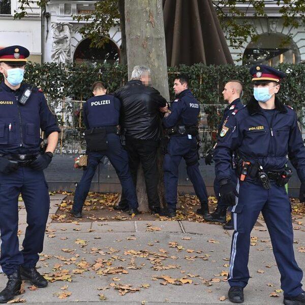 Oostenrijk rouwt, aanslag gepleegd door eenling