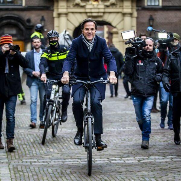 Waarom wil VVD-lijsttrekker Mark Rutte dat wij hem fietsend zien?