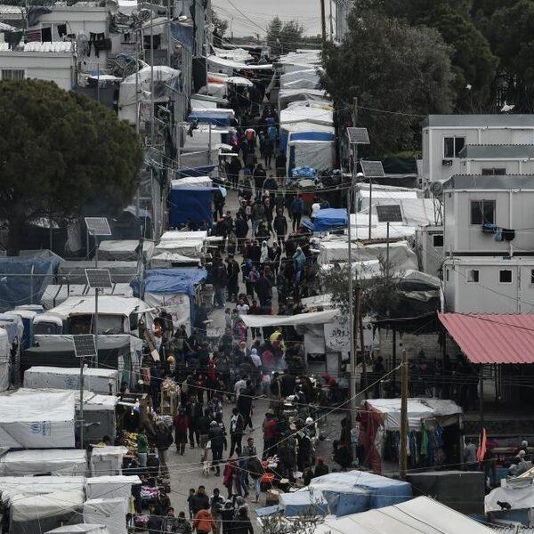 'Als ratten in de val': de situatie na de corona-uitbraak in vluchtelingenkamp Moria