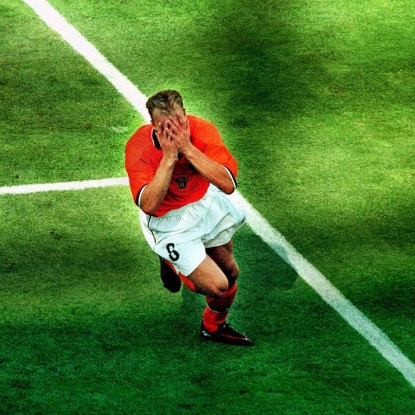 Wereldgoal van Dennis Bergkamp precies 20 jaar geleden