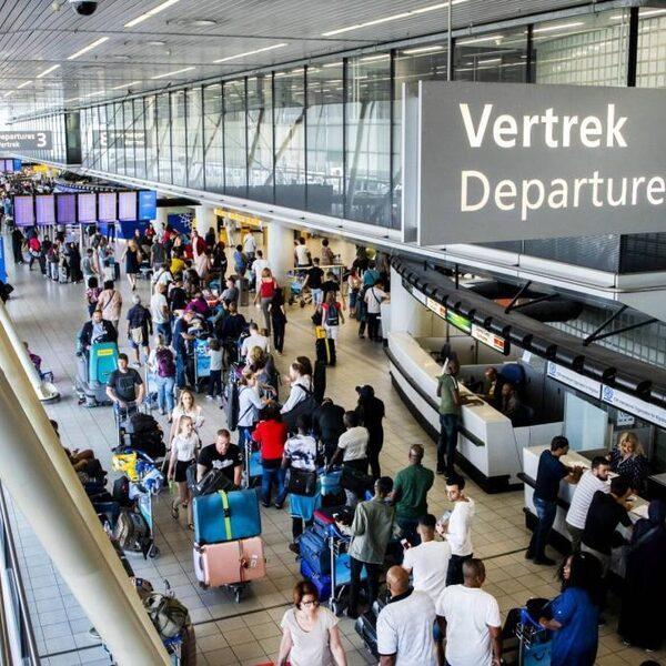Kabinet: Schiphol mag in 2021 weer gaan groeien