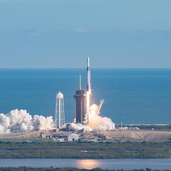 Podcast De Dag: de ruimtedroom van Elon Musk en Jeff Bezos