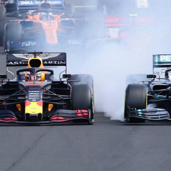 Hamilton voorbij Verstappen in slotfase GP Hongarije