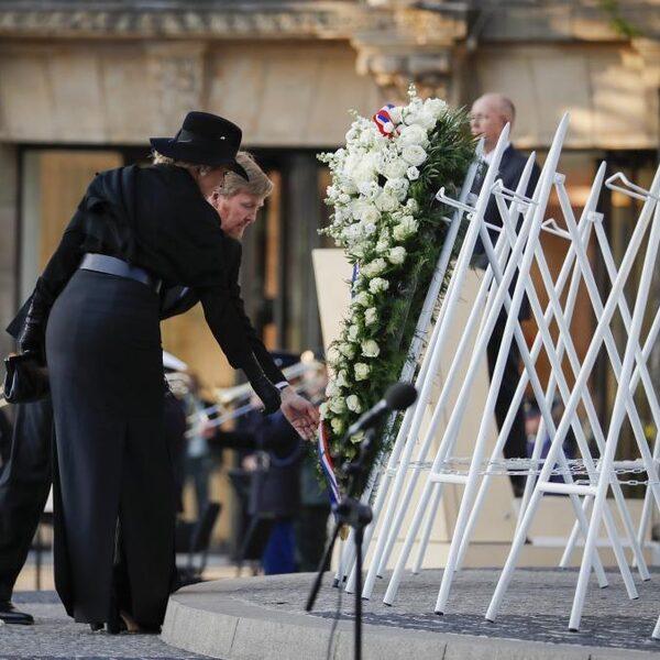 Koning in toespraak op lege Dam: 'Oorlog zit 75 jaar later nog steeds in ons'
