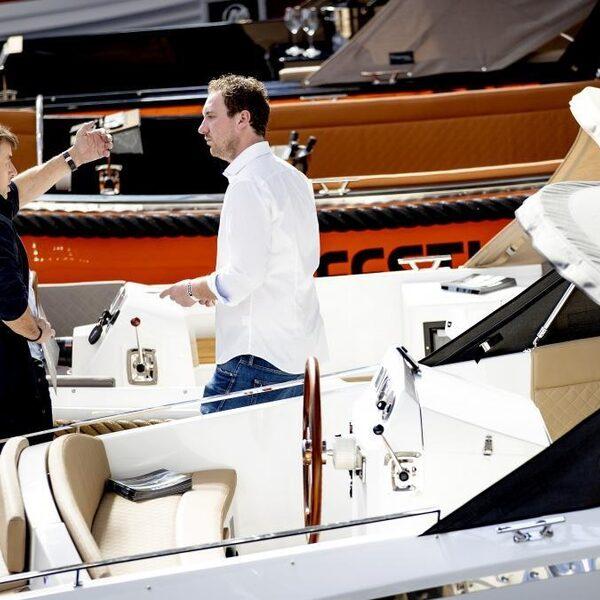 Geen zomervakantie in het buitenland door corona, dus op jacht naar een boot