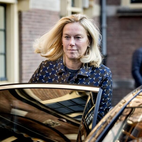 Minister Kaag: Vanavond al Nederlandse hulpverleners naar Beiroet