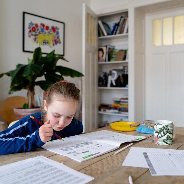 Scholen kunnen door tekorten niet altijd goed thuisonderwijs organiseren