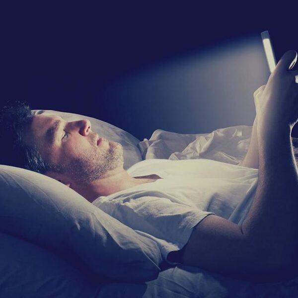 Sociale media veroorzaken géén slaapproblemen