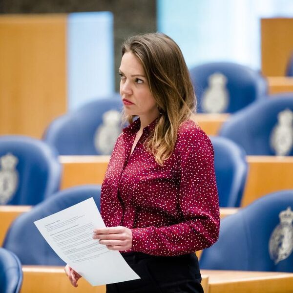 VVD: Stuur liegende statushouders terug