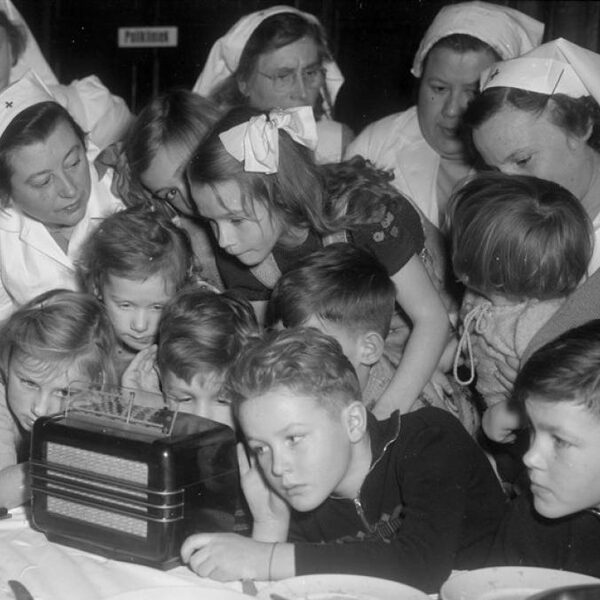 Hoe werd radio zo vanzelfsprekend als water uit de kraan?