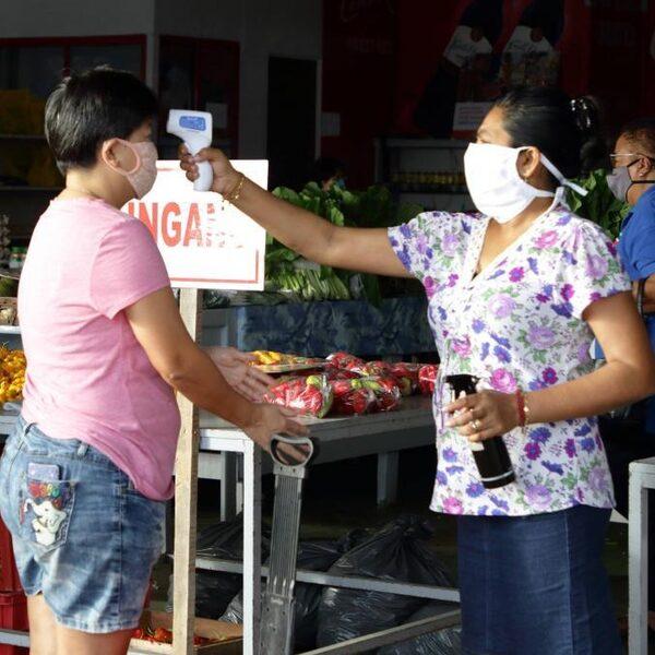 Nederlandse zorgmedewerkers helpen Suriname bij bestrijden coronavirus