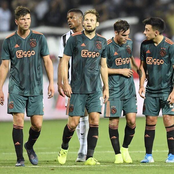 Ajax met vertrouwen terug uit Griekenland: 'Dit moet je thuis afmaken'