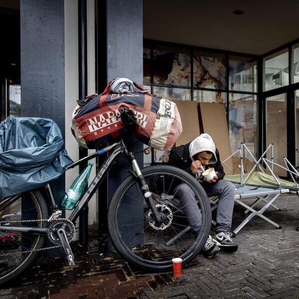 Argos: Gemeenten kunnen stijging daklozen niet meer aan