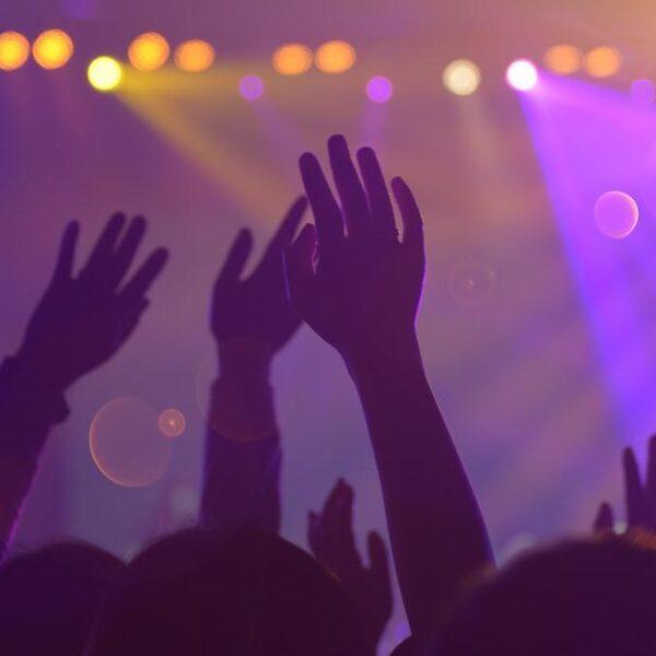 Waarom kan het geluidsniveau bij concerten niet zomaar omlaag?