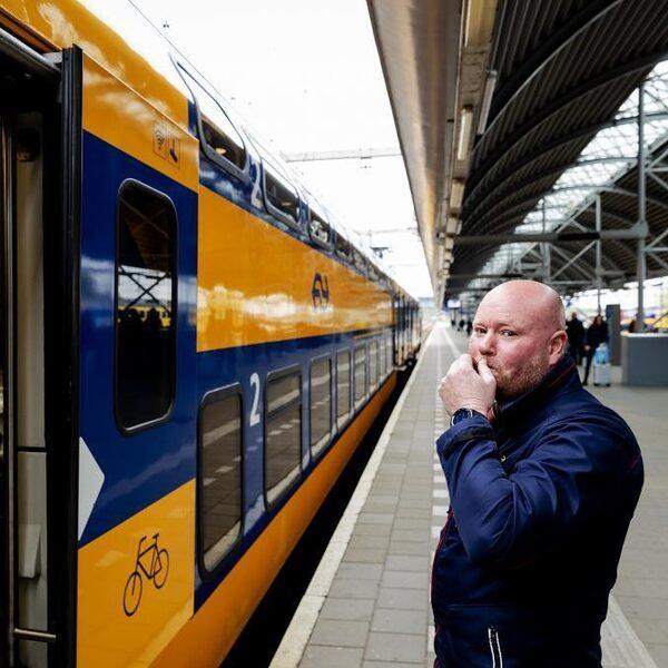 'Politiek moet meer inzetten op openbaar vervoer in plaats van snelwegen te verbreden'
