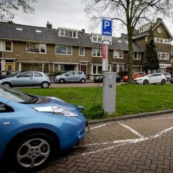 Elektrisch rijden is de toekomst, maar gemeenten moeten flink aan de bak