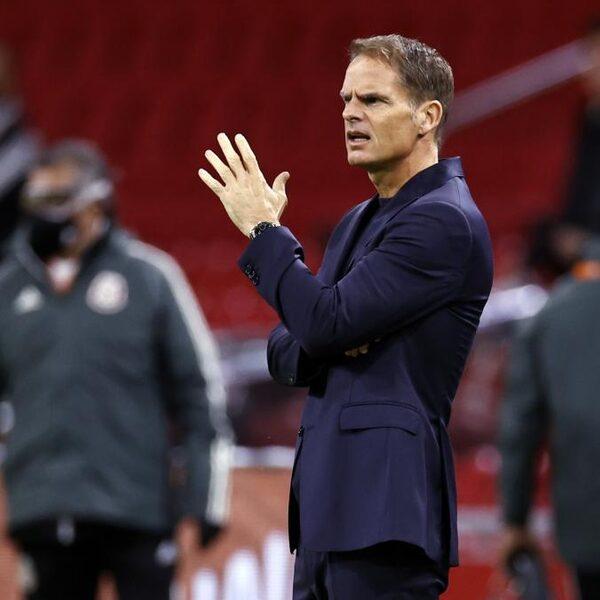 Pover Oranje verliest van Mexico bij debuut bondscoach De Boer