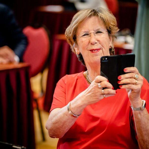 Jorritsma: 'Goed dat premier de touwtjes weer aanhaalt'