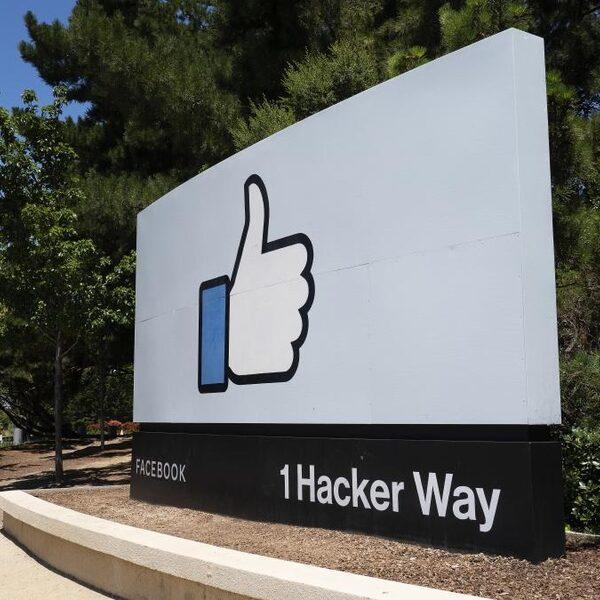 Facebook gedagvaard voor privacyschending: 'Gebruikers zijn misleid'