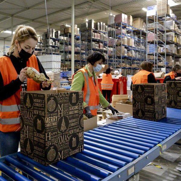 Kerstpakket in coronatijd: dit jaar niet of juist extra uitpakken?