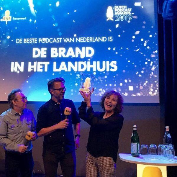 Podcasts NPO Radio 1 De Brand in het Landhuis en De Krokante Leesmap in de prijzen