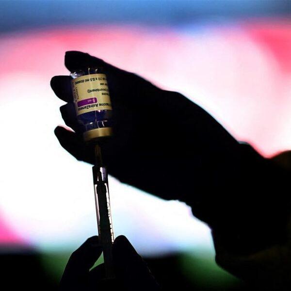 Podcast De Dag: Hoe AstraZeneca het pechvogel-vaccin werd