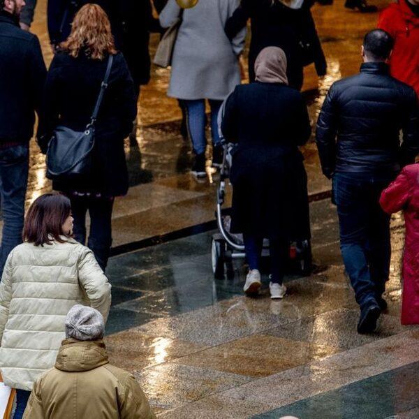 Nederlandse economie in historisch diepe recessie, herstel langzaam