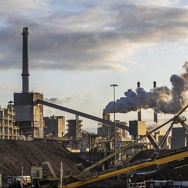 Grote industrie trekt aan de bel: hoge CO2-taks kost banen