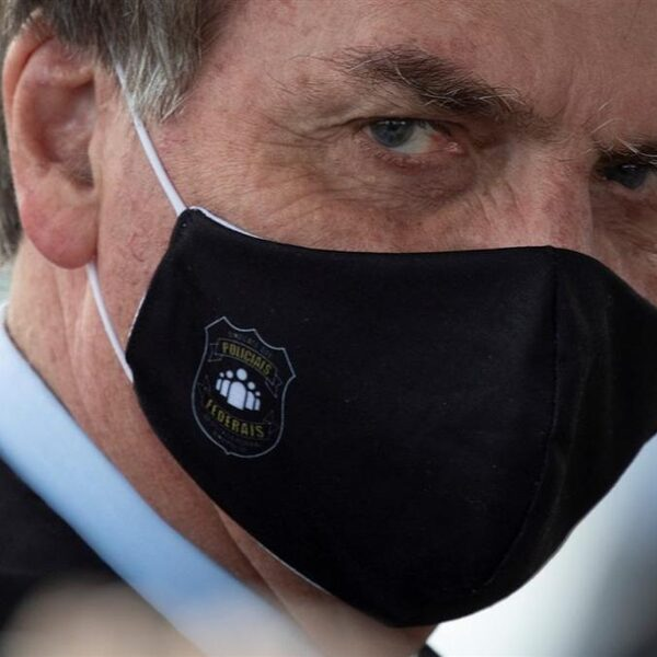 Podcast De Dag: Bolsonaro wankelt te midden van straatprotesten Brazilië