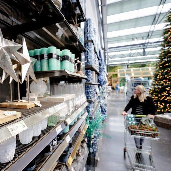 Nu al volop kerst in de tuincentra: 'Je blijft kijken en kopen'