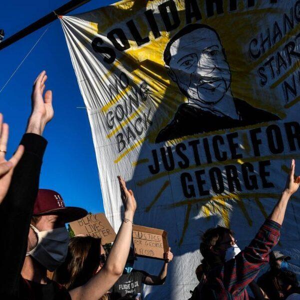 'Ook Nederland moet kritisch zelfreflecteren na politiegeweld Minneapolis'