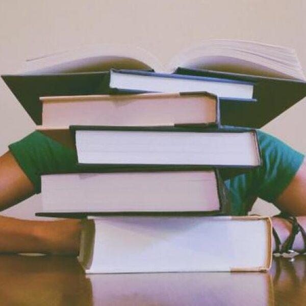 Scholieren en studenten lijden onder prestatiedruk, keuzestress en faalangst