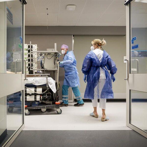 Huisartsen Amsterdam gaan deel coronazorg ziekenhuizen overnemen