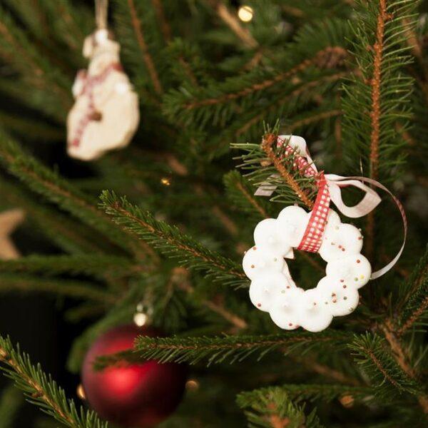 Voorkom tandgaatjes: 'Eet de zak kerstkransjes liever in één keer helemaal leeg'