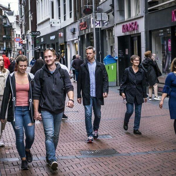 SCP: impact coronacrisis groot, maar Nederlander niet minder tevreden